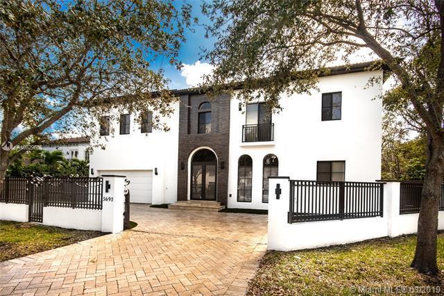 5690 SW 80th St, Miami, FL 33143 (MLS #A10629602) :: The Maria Murdock Group