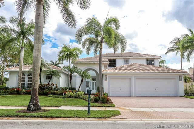 2532 Montclaire Cir, Weston, FL 33327 (MLS #A10630011) :: The Teri Arbogast Team at Keller Williams Partners SW