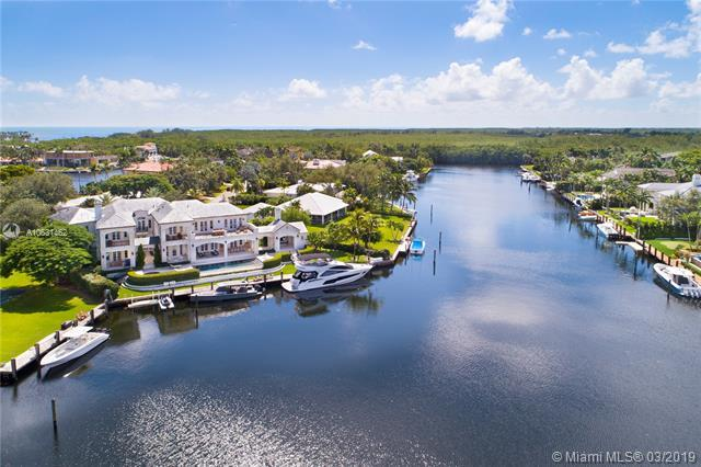 9320 Gallardo St, Coral Gables, FL 33156 (MLS #A10631462) :: The Maria Murdock Group