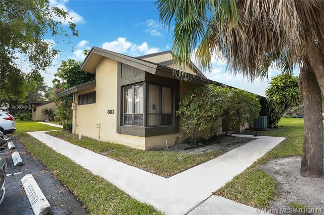 8813 Cleary Blvd #8813, Plantation, FL 33324 (MLS #A10634312) :: The Teri Arbogast Team at Keller Williams Partners SW