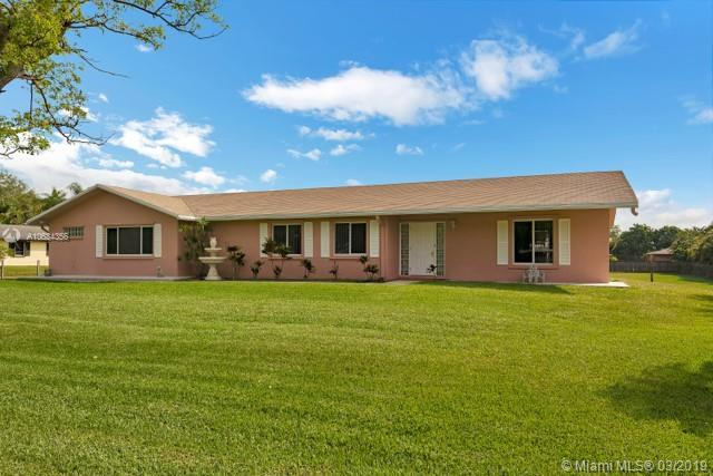 5910 SW 164th Ter, Southwest Ranches, FL 33331 (MLS #A10634356) :: The Teri Arbogast Team at Keller Williams Partners SW