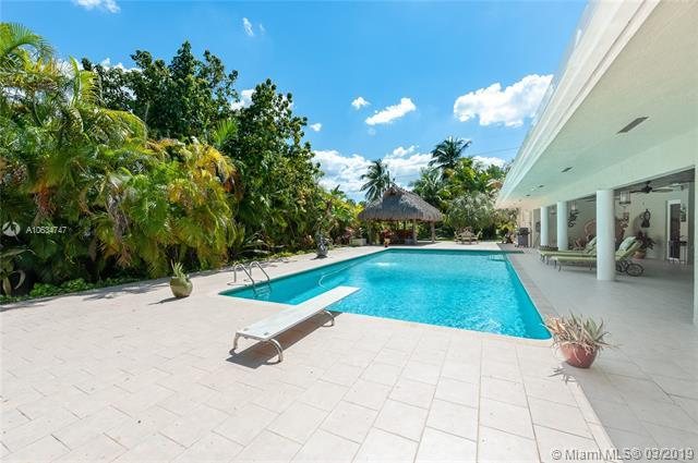 7997 SW 76th Ave, Miami, FL 33143 (MLS #A10634747) :: Prestige Realty Group