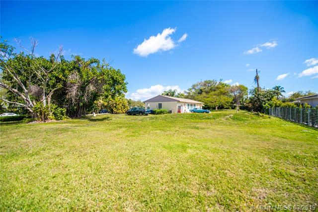 6190 SW 128th St, Pinecrest, FL 33156 (MLS #A10635564) :: The Riley Smith Group