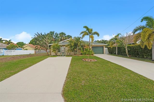6285 Pompano St, Jupiter, FL 33458 (MLS #A10637147) :: Green Realty Properties
