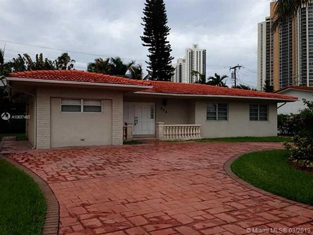 215 187th St, Sunny Isles Beach, FL 33160 (MLS #A10637463) :: The Brickell Scoop
