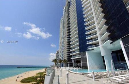 17121 Collins Ave #2706, Sunny Isles Beach, FL 33160 (MLS #A10637603) :: Green Realty Properties
