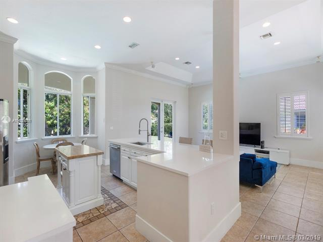 8287 SW 172nd Ter, Palmetto Bay, FL 33157 (MLS #A10639261) :: RE/MAX Presidential Real Estate Group
