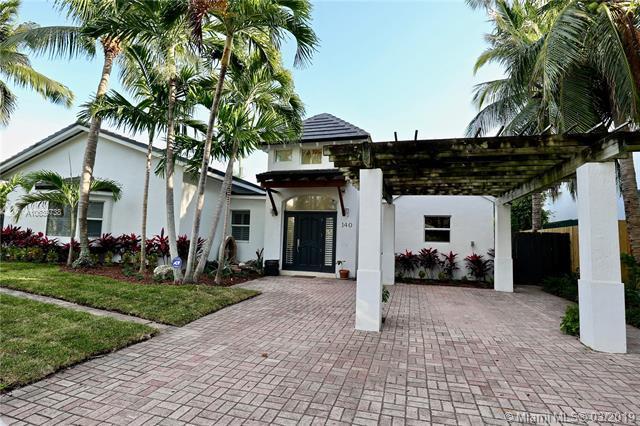 140 W Mashta Dr, Key Biscayne, FL 33149 (MLS #A10639738) :: EWM Realty International