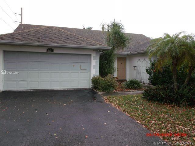 5521 Polk St, Hollywood, FL 33021 (MLS #A10639859) :: The Riley Smith Group