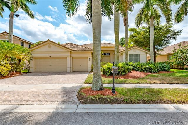 954 Windward Way, Weston, FL 33327 (MLS #A10640223) :: EWM Realty International