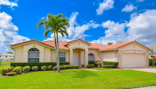 129 Cocoplum Cir, Royal Palm Beach, FL 33411 (MLS #A10640349) :: The Paiz Group