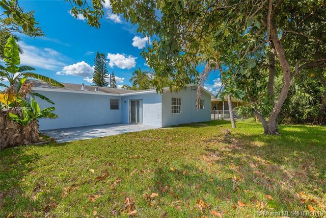 2430 NW 68th Ave, Sunrise, FL 33313 (MLS #A10640400) :: The Teri Arbogast Team at Keller Williams Partners SW