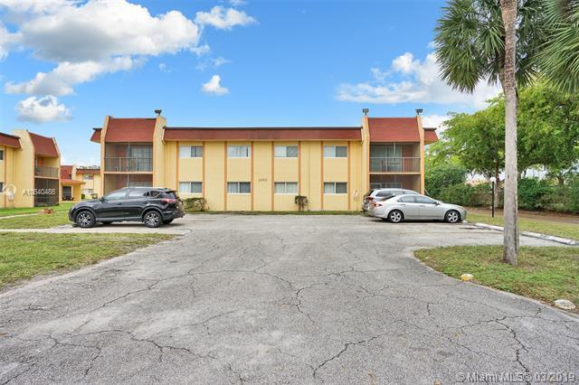 2960 NW 55th Ave 1D, Lauderhill, FL 33313 (MLS #A10640486) :: The Teri Arbogast Team at Keller Williams Partners SW