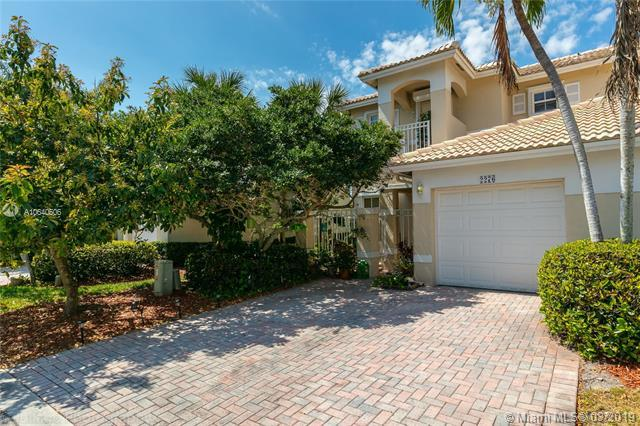 2276 NW 171st Ter, Pembroke Pines, FL 33028 (MLS #A10640506) :: The Paiz Group