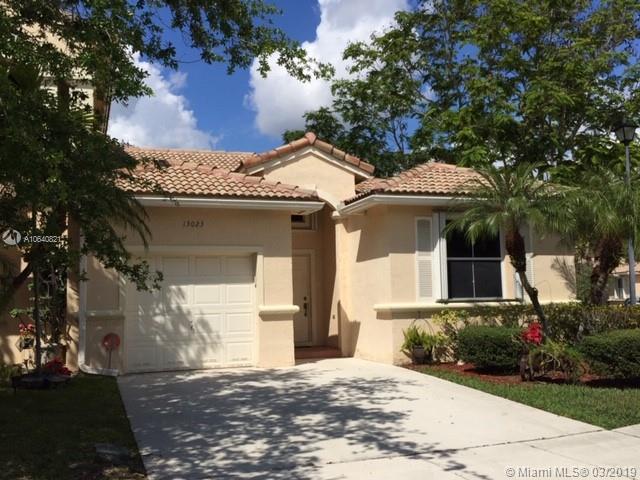 13023 NW 8th St, Pembroke Pines, FL 33028 (MLS #A10640821) :: EWM Realty International