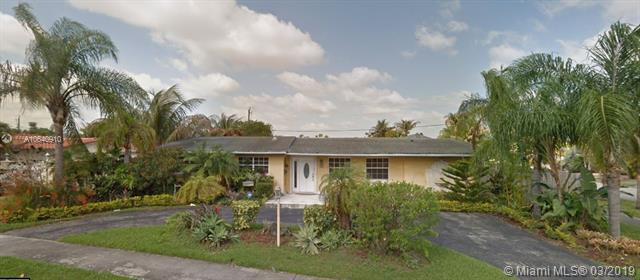 1700 SW 92nd Ct, Miami, FL 33165 (MLS #A10640910) :: Lucido Global