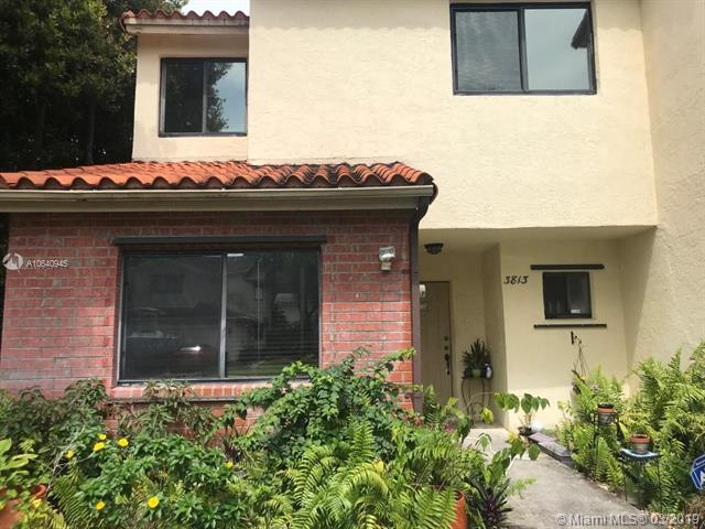 3813 Simms St, Hollywood, FL 33021 (MLS #A10640945) :: EWM Realty International