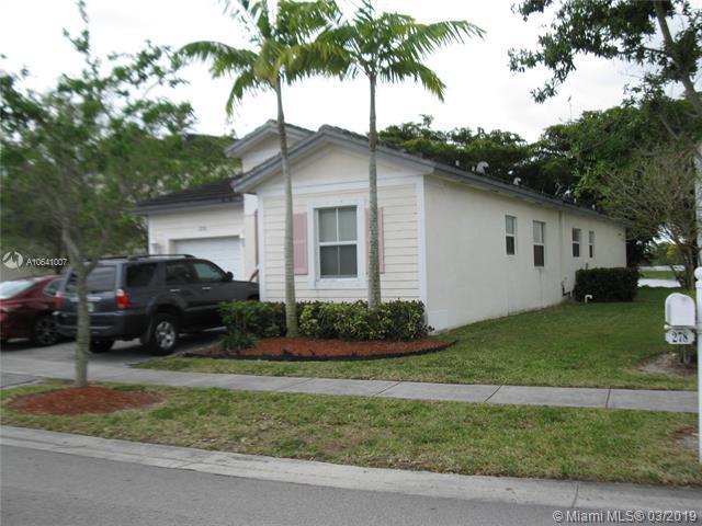 278 NE 36th Ave Rd, Homestead, FL 33033 (MLS #A10641007) :: The Paiz Group