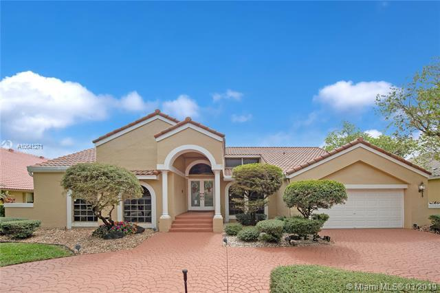 12100 Classic Dr, Coral Springs, FL 33071 (MLS #A10641271) :: The Paiz Group