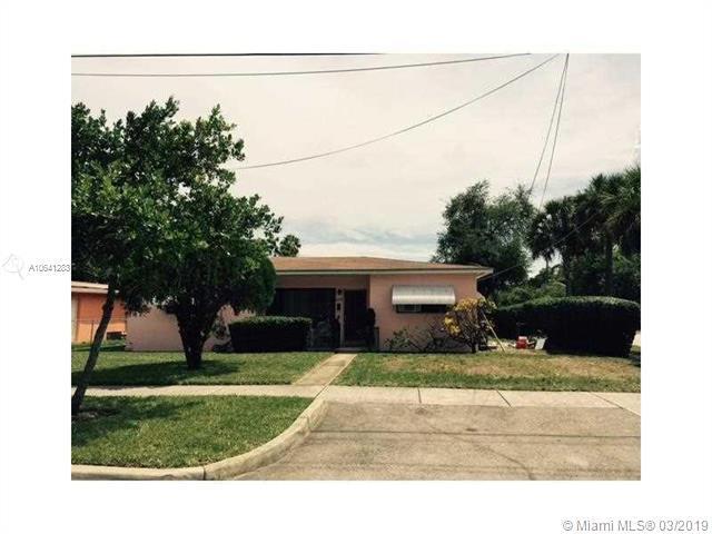 1830 NE 161st St, North Miami Beach, FL 33162 (MLS #A10641283) :: The Rose Harris Group