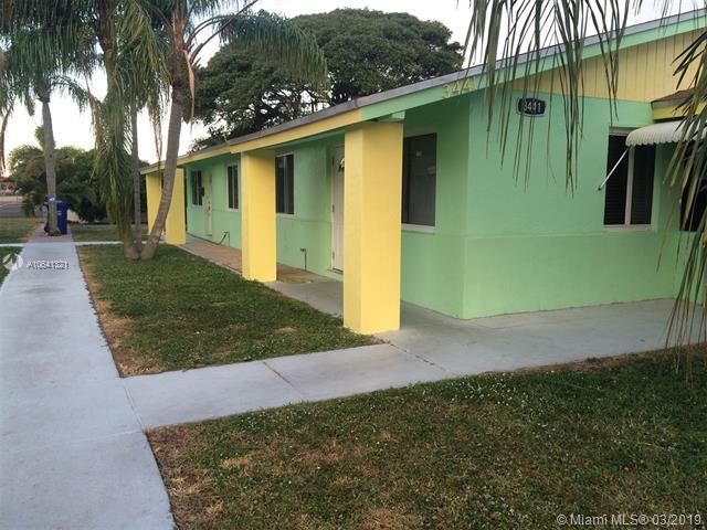 3441 NE 5th Ave, Pompano Beach, FL 33064 (MLS #A10641321) :: The Teri Arbogast Team at Keller Williams Partners SW