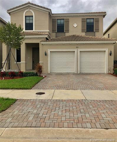604 NE 191st St, Miami, FL 33179 (MLS #A10641482) :: The Rose Harris Group