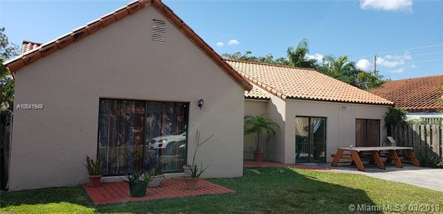 16861 SW 92nd Ct, Palmetto Bay, FL 33157 (MLS #A10641949) :: The Adrian Foley Group