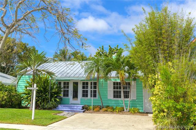 739 NE 17th Way, Fort Lauderdale, FL 33304 (MLS #A10642629) :: The Paiz Group