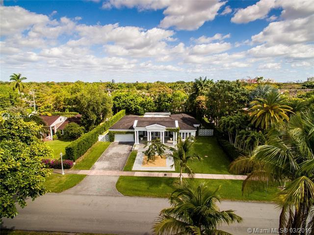 757 N Greenway Dr, Coral Gables, FL 33134 (MLS #A10642711) :: The Adrian Foley Group