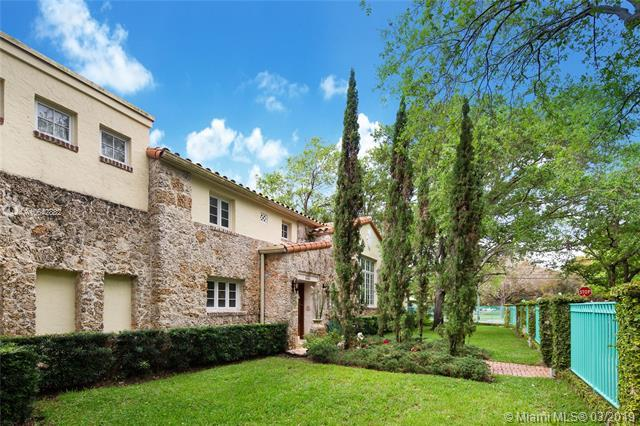 760 Anastasia Ave, Coral Gables, FL 33134 (MLS #A10642882) :: The Maria Murdock Group