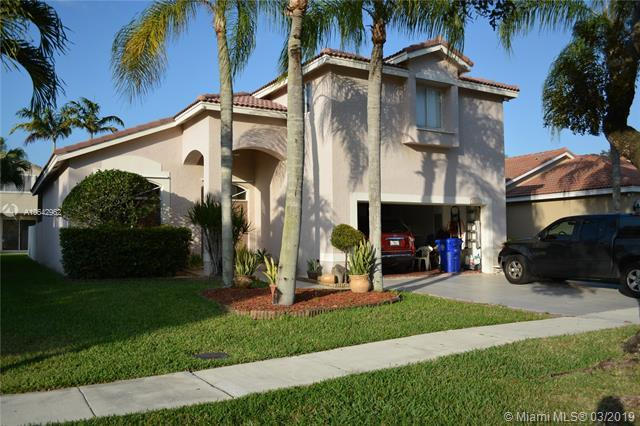 17637 SW 11 ST, Pembroke Pines, FL 33029 (MLS #A10642962) :: The Paiz Group