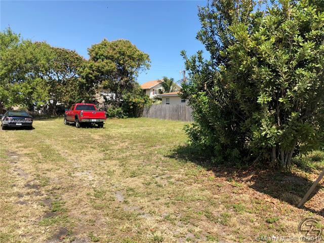 41 SE 14th St, Dania Beach, FL 33004 (MLS #A10643162) :: Grove Properties