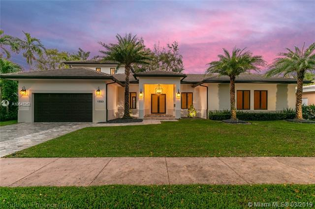 1553 Murcia Ave, Coral Gables, FL 33134 (MLS #A10643252) :: The Maria Murdock Group
