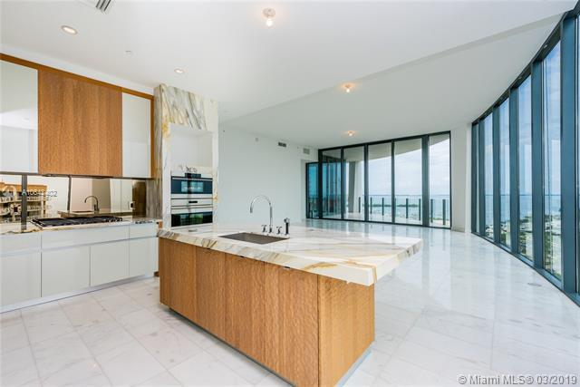 2821 S Bayshore Dr 15A, Coconut Grove, FL 33133 (MLS #A10643402) :: The Adrian Foley Group