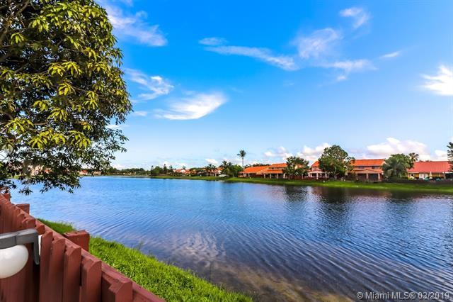 14841 SW 42nd Ln, Miami, FL 33185 (MLS #A10643729) :: The Paiz Group
