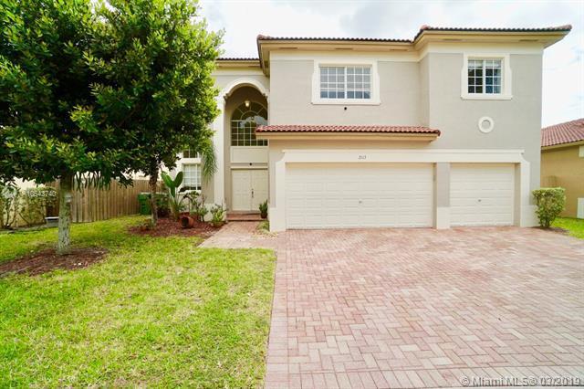 2113 NE 40th Rd, Homestead, FL 33033 (MLS #A10643740) :: The Adrian Foley Group