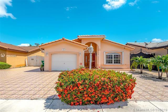 941 SW 143rd Pl, Miami, FL 33184 (MLS #A10643968) :: Castelli Real Estate Services