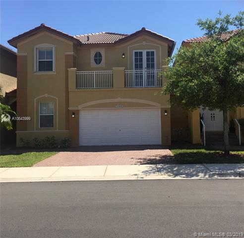 10966 NW 86th Ter, Doral, FL 33178 (MLS #A10643999) :: The Paiz Group