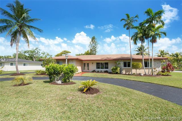7641 SW 169th St, Palmetto Bay, FL 33157 (MLS #A10644040) :: The Adrian Foley Group
