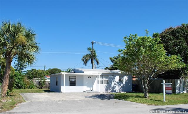 2780 NE 12th Ter, Pompano Beach, FL 33064 (MLS #A10644073) :: RE/MAX Presidential Real Estate Group