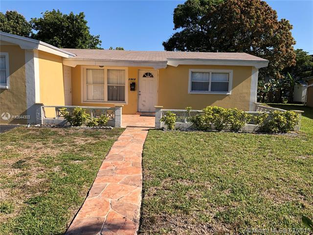 3948 NW 45AVE, Lauderdale Lakes, FL 33319 (MLS #A10644303) :: Lucido Global