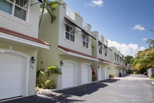 746 NE 7th Ave, Fort Lauderdale, FL 33304 (MLS #A10644740) :: The Paiz Group