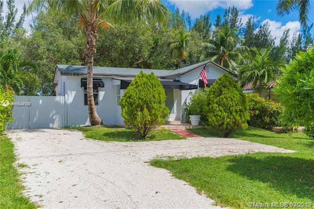 329 Northwest Blvd, Miami, FL 33126 (MLS #A10644789) :: Prestige Realty Group