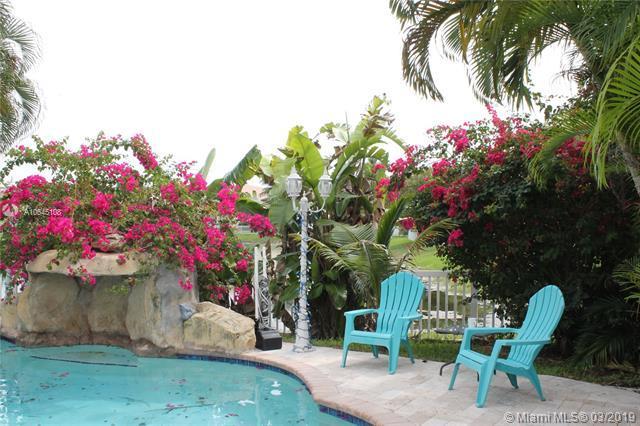 15768 NW 4th Street, Pembroke Pines, FL 33028 (MLS #A10645108) :: The Maria Murdock Group