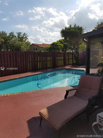 11300 SW 8th Pl, Pembroke Pines, FL 33025 (MLS #A10645163) :: The Teri Arbogast Team at Keller Williams Partners SW