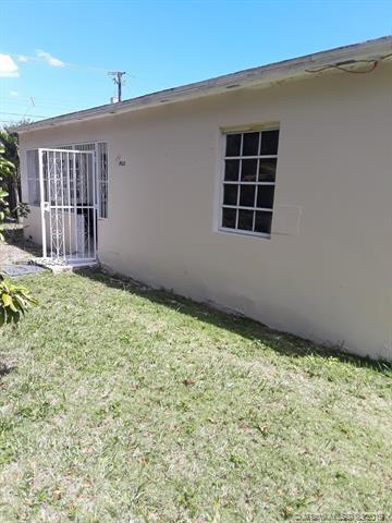 14215 NE 10th Ave, North Miami, FL 33161 (MLS #A10645420) :: Prestige Realty Group