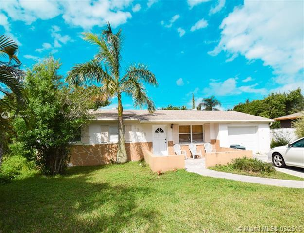 1348 NW Charlie Green Dr, Stuart, FL 34994 (MLS #A10645815) :: The Riley Smith Group