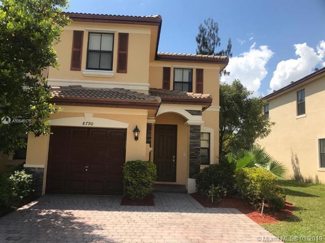 8790 NW 116th Path ., Miami, FL 33178 (MLS #A10646175) :: Berkshire Hathaway HomeServices EWM Realty