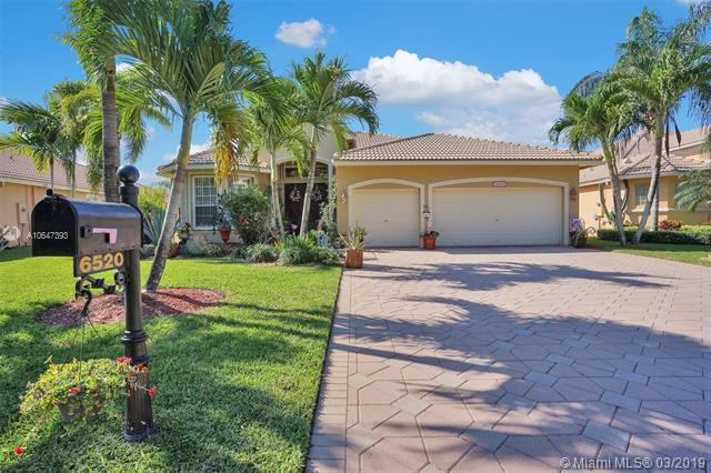 6520 NW 56th Dr, Coral Springs, FL 33067 (MLS #A10647393) :: The Paiz Group