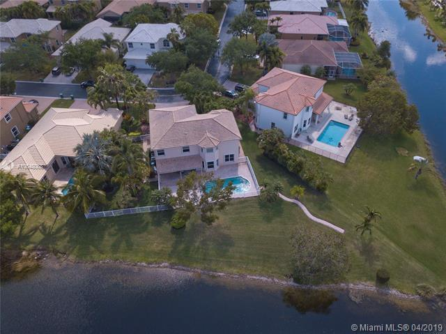 4912 NW 116th Ave, Coral Springs, FL 33076 (MLS #A10648068) :: RE/MAX Presidential Real Estate Group